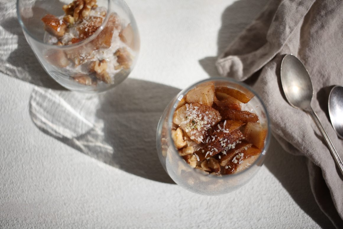 Pear Overnight Oatmeal with Chia Seeds